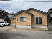 外壁総タイル張りのZEHの断熱性能を持つ平屋の家完成!阪南市A様邸