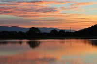 平 池 の 夜 明 け