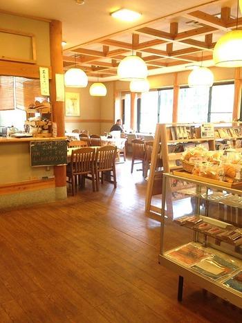 『道の駅 龍游 つぐみ食堂』 ランチ&カフェ 「龍神」店内