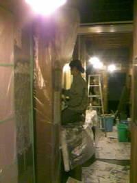 東側壁面 塗り