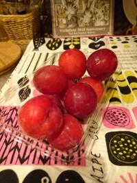 スモモも桃も