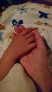 小さいけど たくましい手