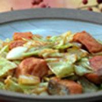鮭とキャベツのカレーケチャップ炒め