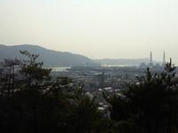 柿本神社の山の上から海南の街を撮影