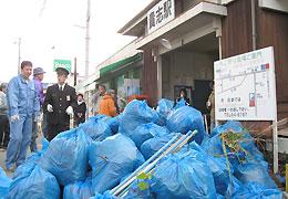 貴志駅と甘露寺前駅でできたゴミの山