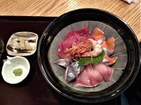 今日は海鮮丼