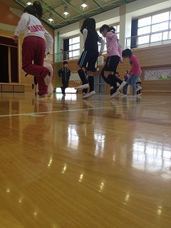 片足ジャンプ
