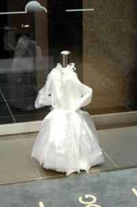 ウエディングドレスに。