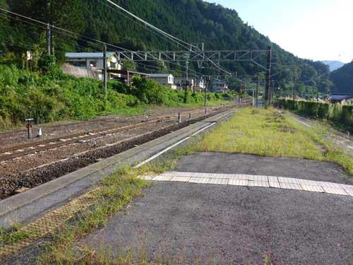 中央線須原駅