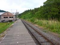 米坂線越後片貝駅