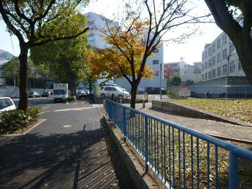 神戸港線湊川駅