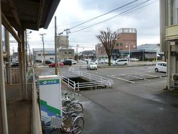 北陸鉄道西泉駅