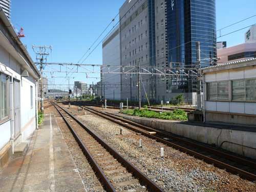 東海道線高槻駅