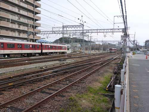 近鉄南大阪線古市駅