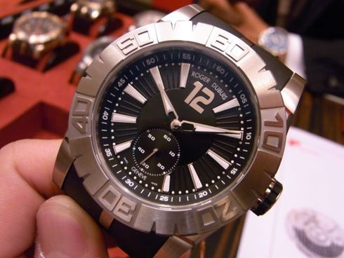 ROGER DUBUIS 待望の新作!