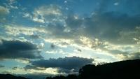 雲が多い朝