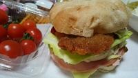 ハンバーガーで   お昼