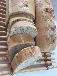 チアシード入りのパン