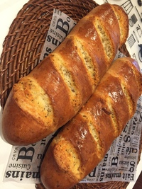 明日はパン販売させていただきます(^^)