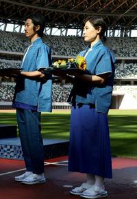 東京五輪の表彰式の衣装がダサ過ぎる件