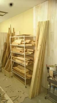 木材・ペンキも販売しています★