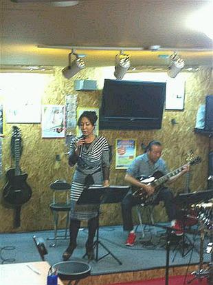 小林舞弥バンド練習