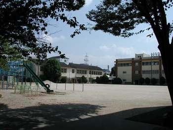 城北小学校校庭2009年9月