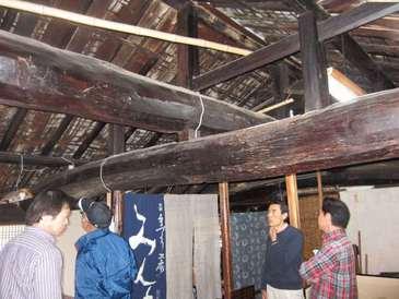 ぬりもの館のつし二階 屋根裏と小屋組み