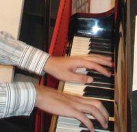 田頭宜和・ピアノ弾き語り