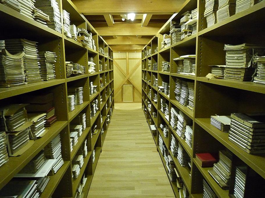 和歌山県立図書館地下書庫