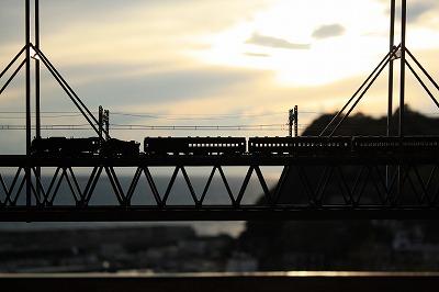 スハネフ鉄橋~いい感じ!年末年始のお知らせ