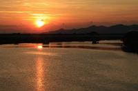 紀の川の夕焼け