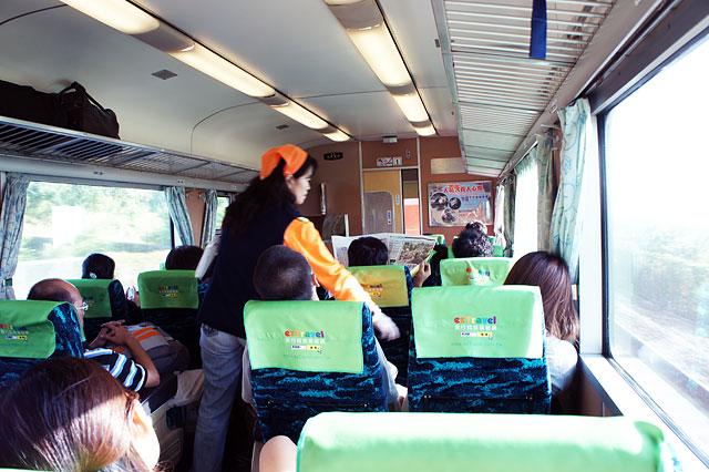 【台湾鉄道・竹南→苗栗】オレンジ色のゴミ収集おばちゃん登場