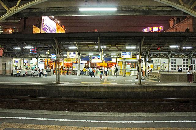 【台湾鉄道・台南】台南到着・駅前には旨そうな屋台(≧∇≦)