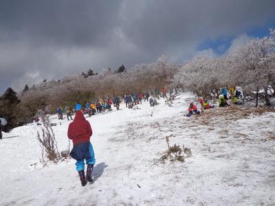 雪中登山をしました!
