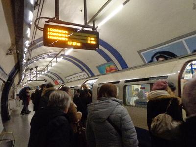 ロンドンの地下鉄に乗って!