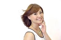 和歌山市小人町の和歌山高等美容専門学校KOTOブログ美容に関するプチ情報〜髪の生え換わりの周期と白髪になる理由〜