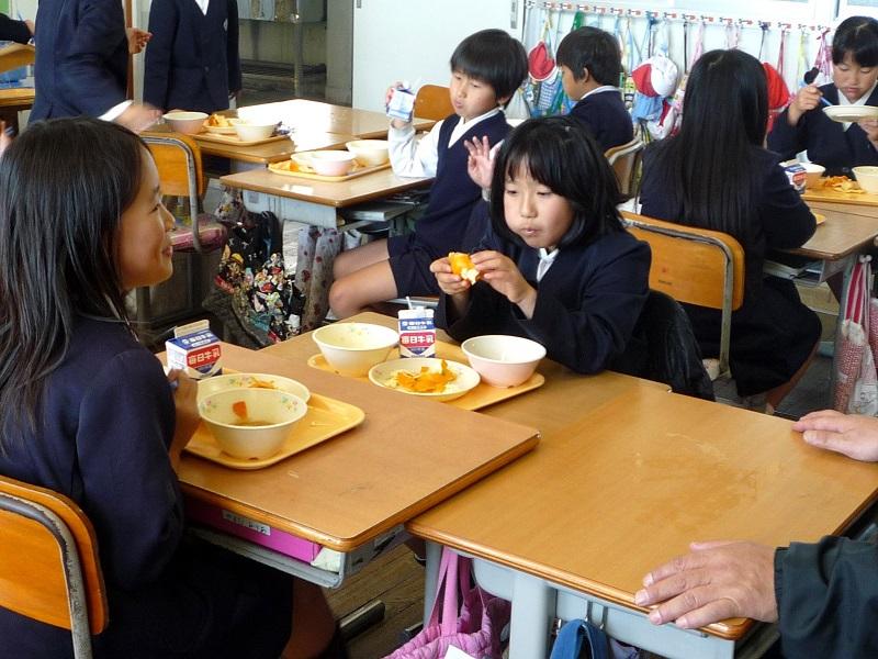 県内小学校等への県産農水産物(みかん)の提供について