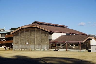 御燈祭の舞台「神倉山」の麓にある宮崎駿監督を魅了した木造体育館