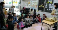 地域の子育て支援の場で、ホネホネ団のワークショップに同行!